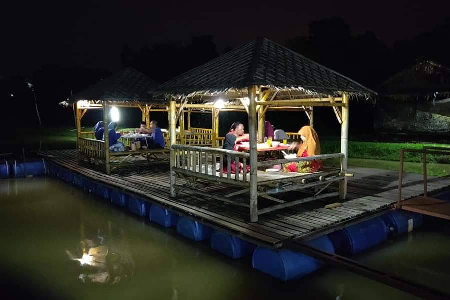 Restoran Terapung D Mukmin
