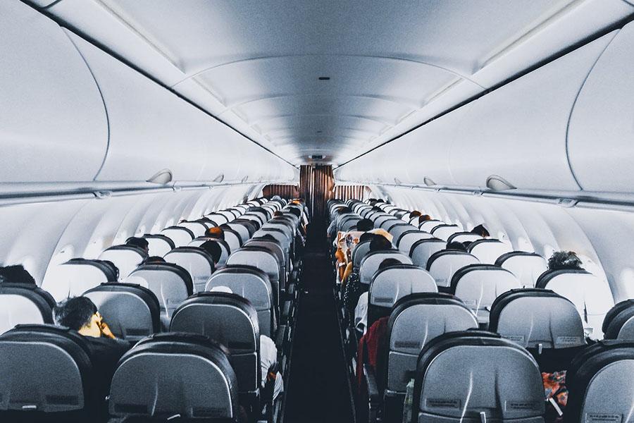Pilihan tempat duduk terbaik untuk penerbangan